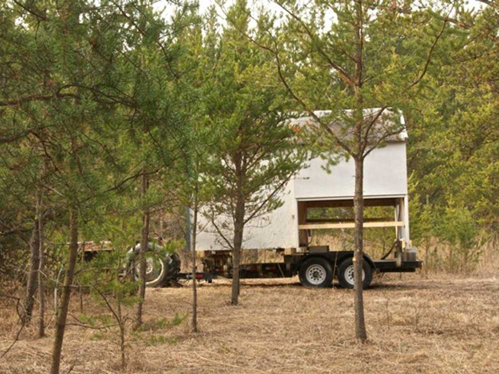 John Kundert's Manitoba Nudist Scrapbook: Gallery 04/06...Moving our cottage to the new park