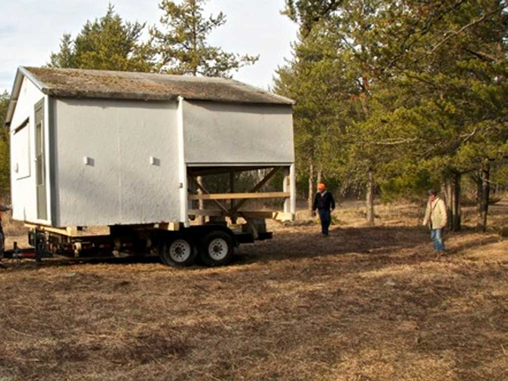 John Kundert's Manitoba Nudist Scrapbook: Gallery 04/07...Moving our cottage to the new park