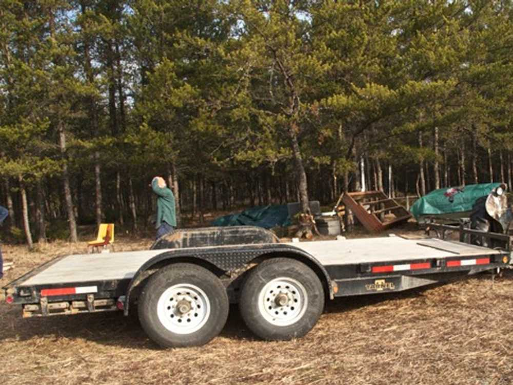 John Kundert's Manitoba Nudist Scrapbook: Gallery 04/08...Moving our cottage to the new park