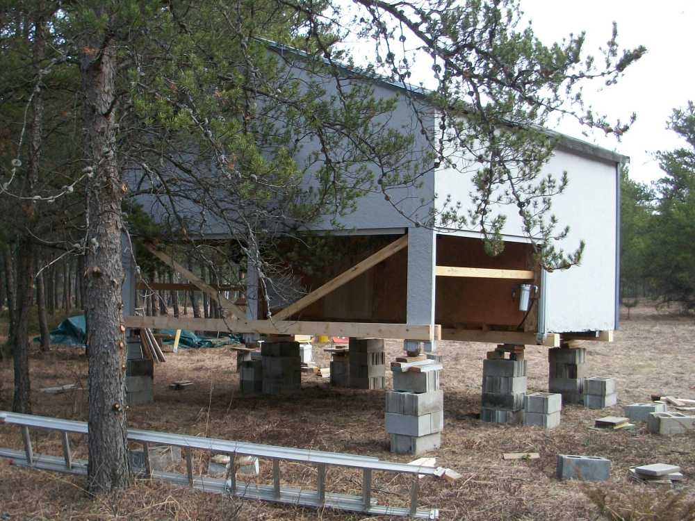 John Kundert's Manitoba Nudist Scrapbook: Gallery 04/09...Moving our cottage to the new park