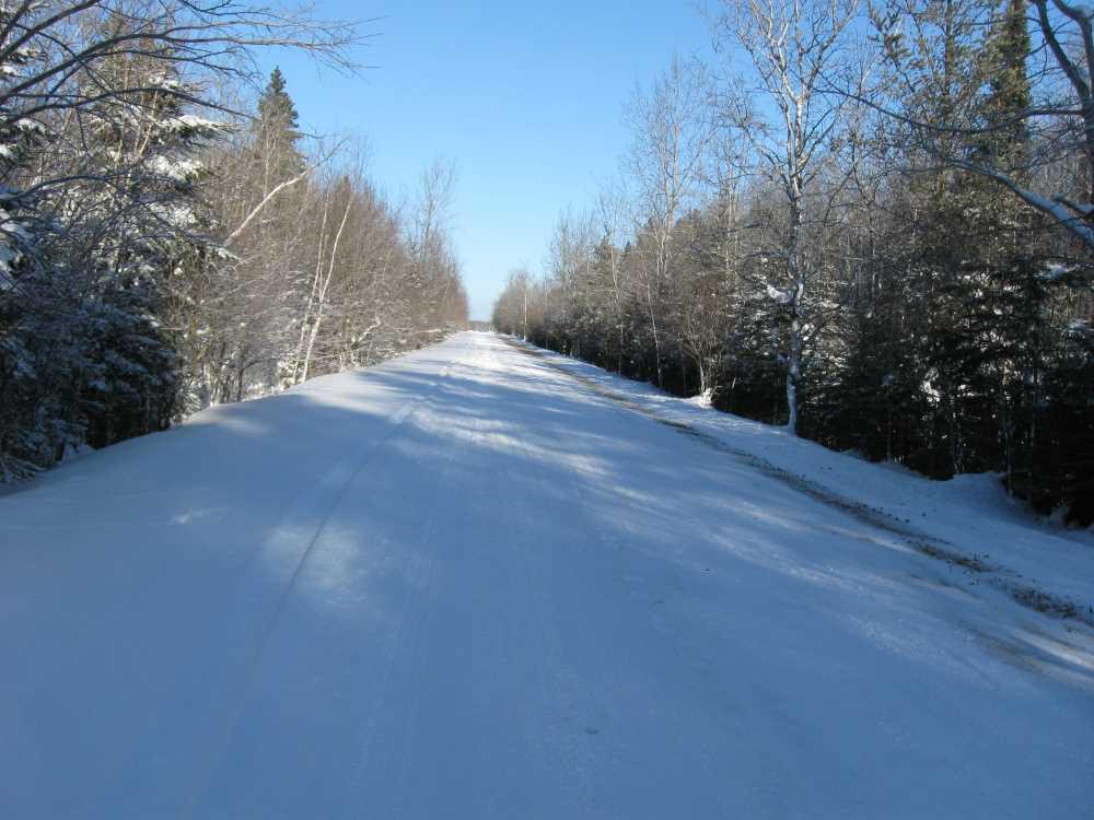 John Kundert's Manitoba Nudist Scrapbook: Gallery 05/02...The new land under December snow