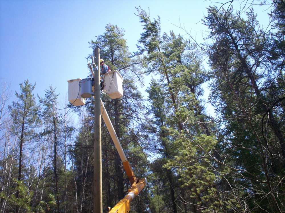 John Kundert's Manitoba Nudist Scrapbook: Gallery 08/26...Hydro installs wires and a transformer