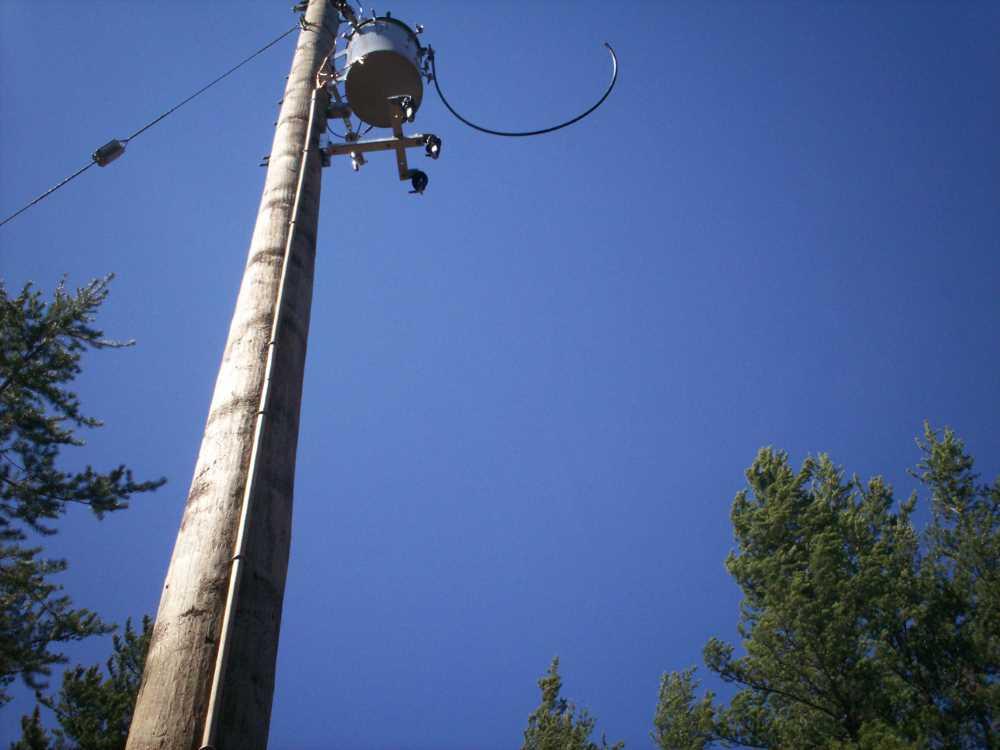 John Kundert's Manitoba Nudist Scrapbook: Gallery 08/30...Hydro installs wires and a transformer