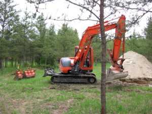 John Kundert's Manitoba Nudist Scrapbook: Gallery 11/07...Sewage holding tanks are installed