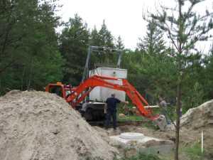 John Kundert's Manitoba Nudist Scrapbook: Gallery 11/26...Sewage holding tanks are installed