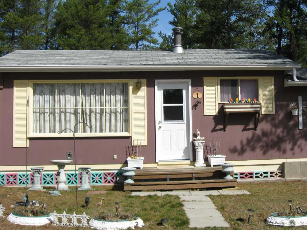John Kundert's Manitoba Nudist Scrapbook: Gallery 16.1/31...Another cottage is moved to Naturist Legacy Park