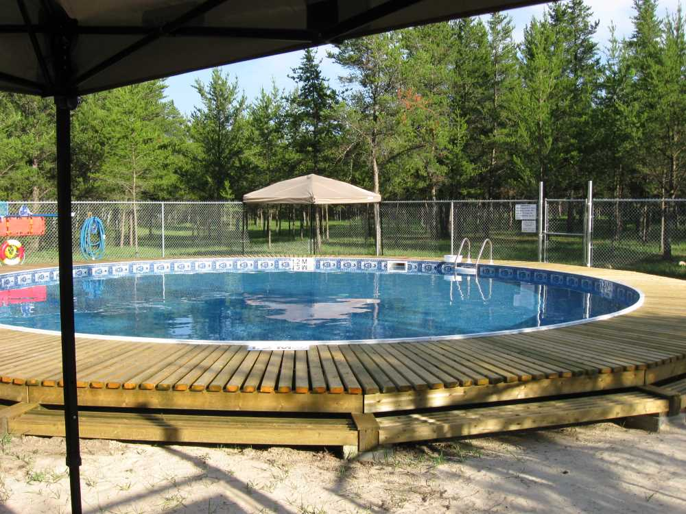 John Kundert's Manitoba Nudist Scrapbook: Gallery 26.1/04...The park's new swimming pool officially opens