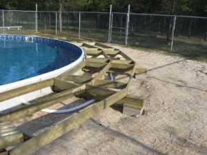 John Kundert's Manitoba Nudist Scrapbook: Gallery 26/02...Building a splash deck for the pool