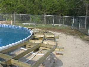 John Kundert's Manitoba Nudist Scrapbook: Gallery 26/03...Building a splash deck for the pool