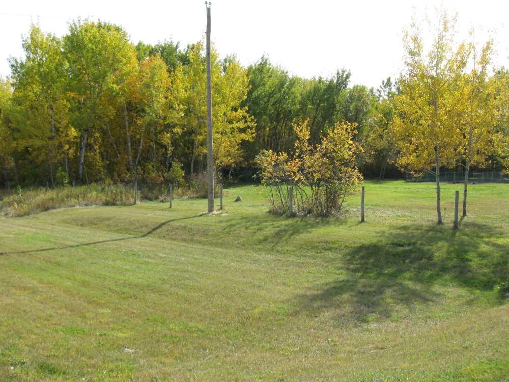 John Kundert's Manitoba Nudist Scrapbook: Gallery 29/11...Front yard receives a needed makeover