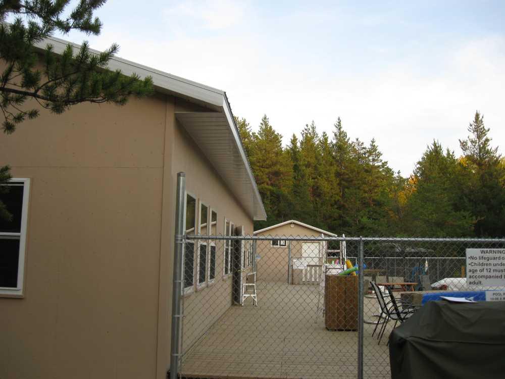 John Kundert's Manitoba Nudist Scrapbook: Gallery 34.1/08...A new deck maintenance routine begins