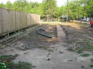 John Kundert's Manitoba Nudist Scrapbook: Gallery 36/05...Strip footings are formed and poured