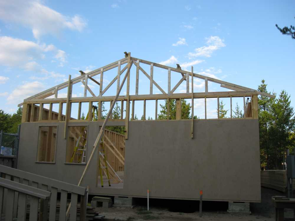 John Kundert's Manitoba Nudist Scrapbook: Gallery 38/01...Adding rafters to the clubhouse