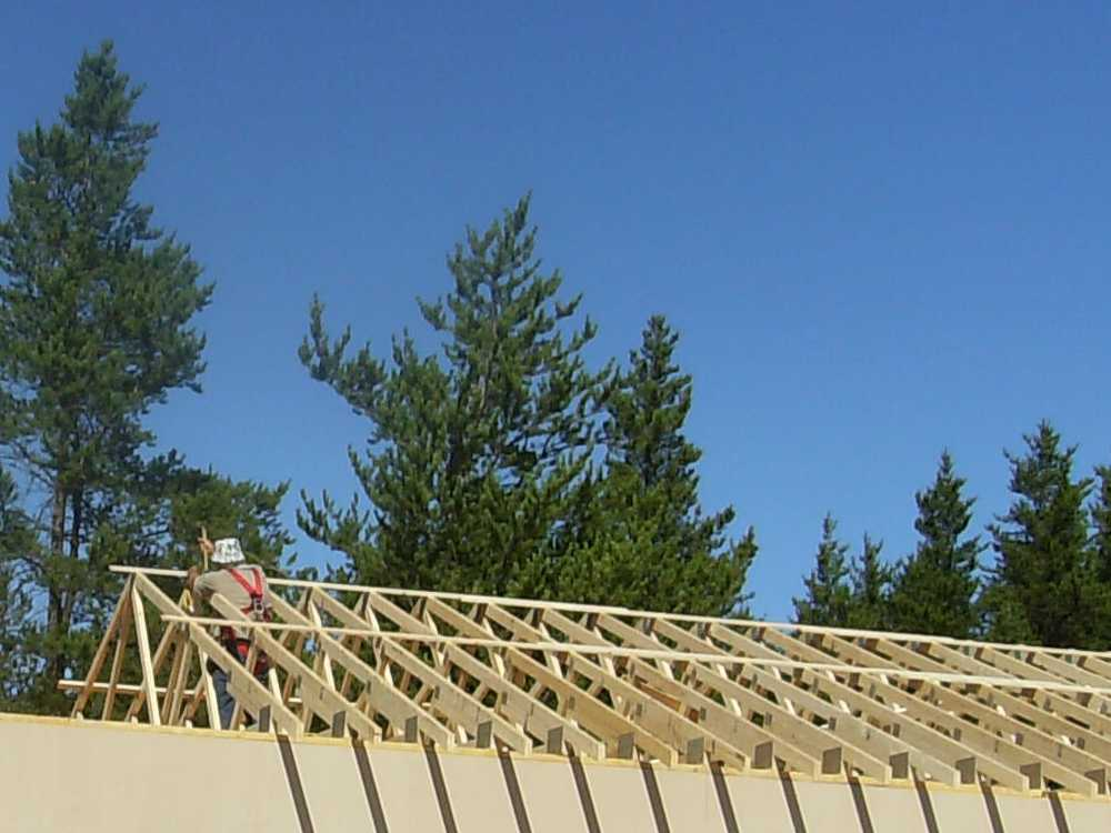 John Kundert's Manitoba Nudist Scrapbook: Gallery 38/10...Adding rafters to the clubhouse