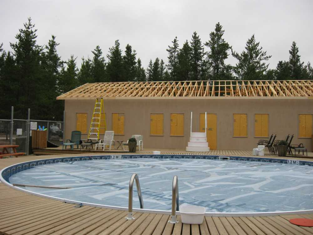 John Kundert's Manitoba Nudist Scrapbook: Gallery 38/26...Adding rafters to the clubhouse