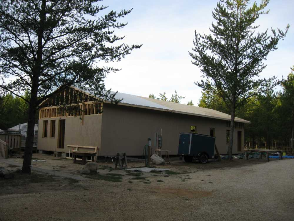 John Kundert's Manitoba Nudist Scrapbook: Gallery 39/05...Plywood sheathing and metal roofing applied