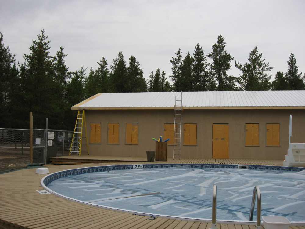 John Kundert's Manitoba Nudist Scrapbook: Gallery 39/10...Plywood sheathing and metal roofing applied