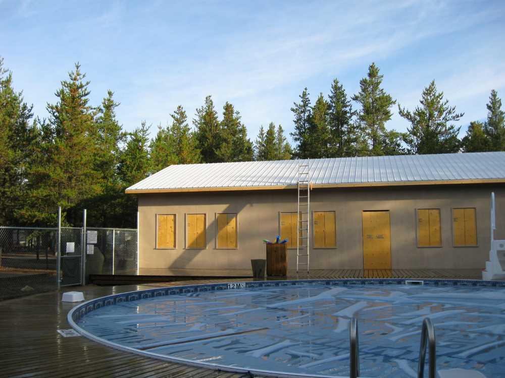 John Kundert's Manitoba Nudist Scrapbook: Gallery 39/11...Plywood sheathing and metal roofing applied