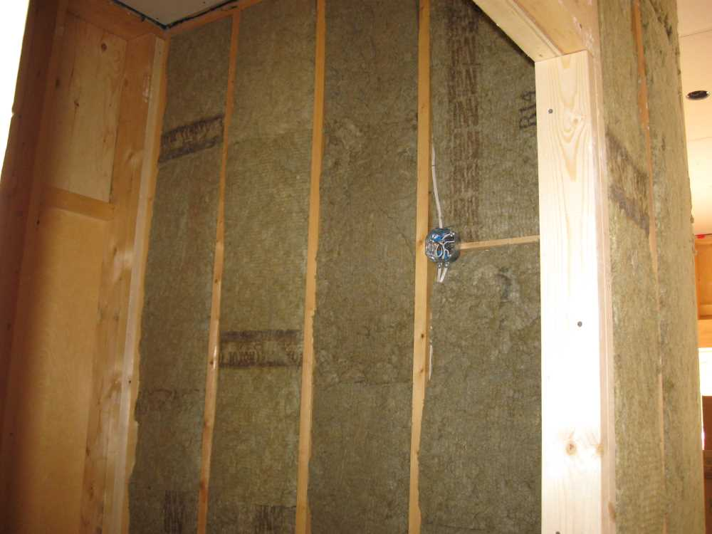 John Kundert's Manitoba Nudist Scrapbook: Gallery 44/15...Insulation, vapour barrier and drywall added