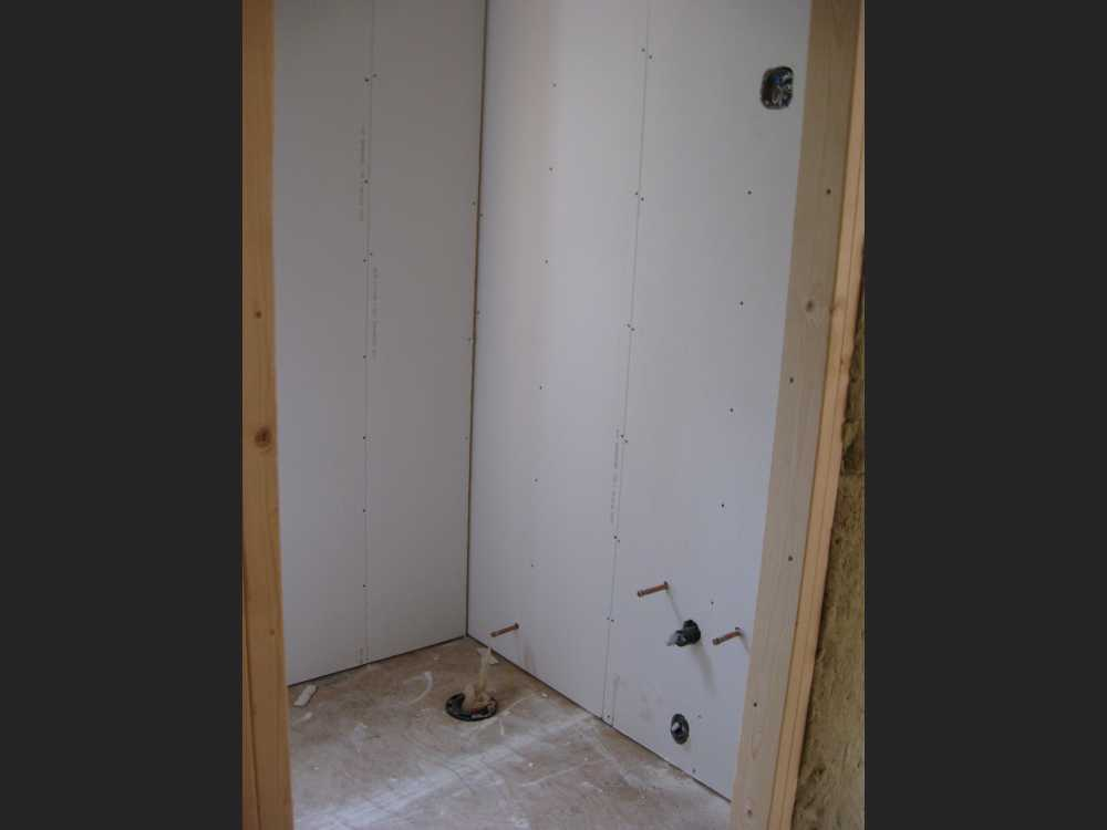 John Kundert's Manitoba Nudist Scrapbook: Gallery 44/16...Insulation, vapour barrier and drywall added